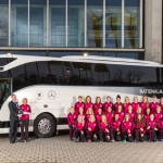 La Nazionale Femminile di Calcio tedesca viaggia con un autobus Mercedes-Benz