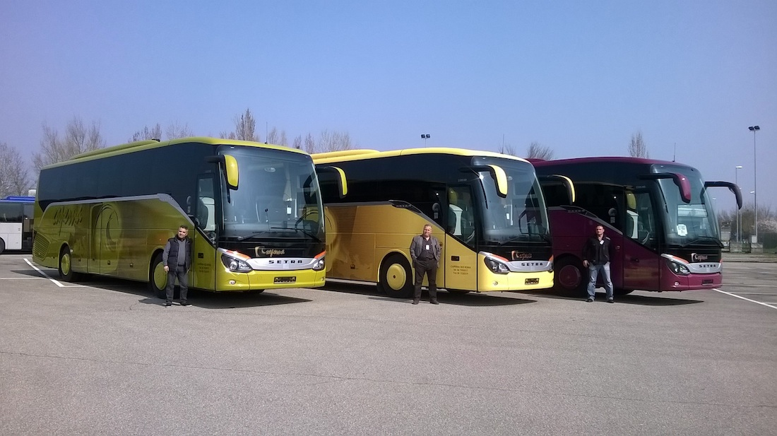 Per caperna 10 sfumature di setra la citt dell 39 autobus - Un importante organizzazione con sede al cairo ...
