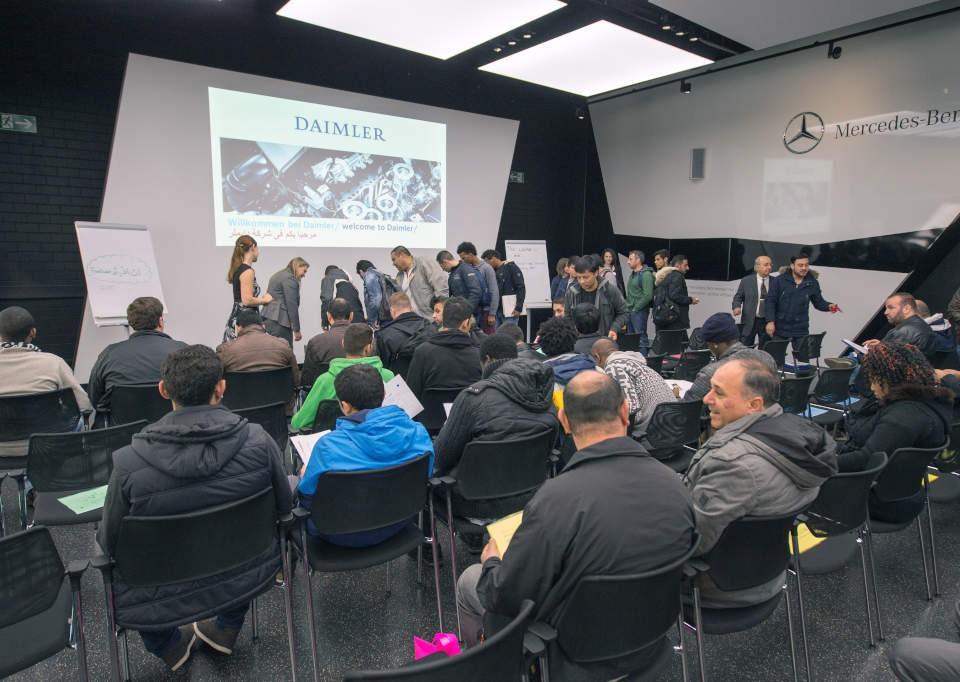 Daimler_-_tirocinio_per_40_rifugiati_(2)