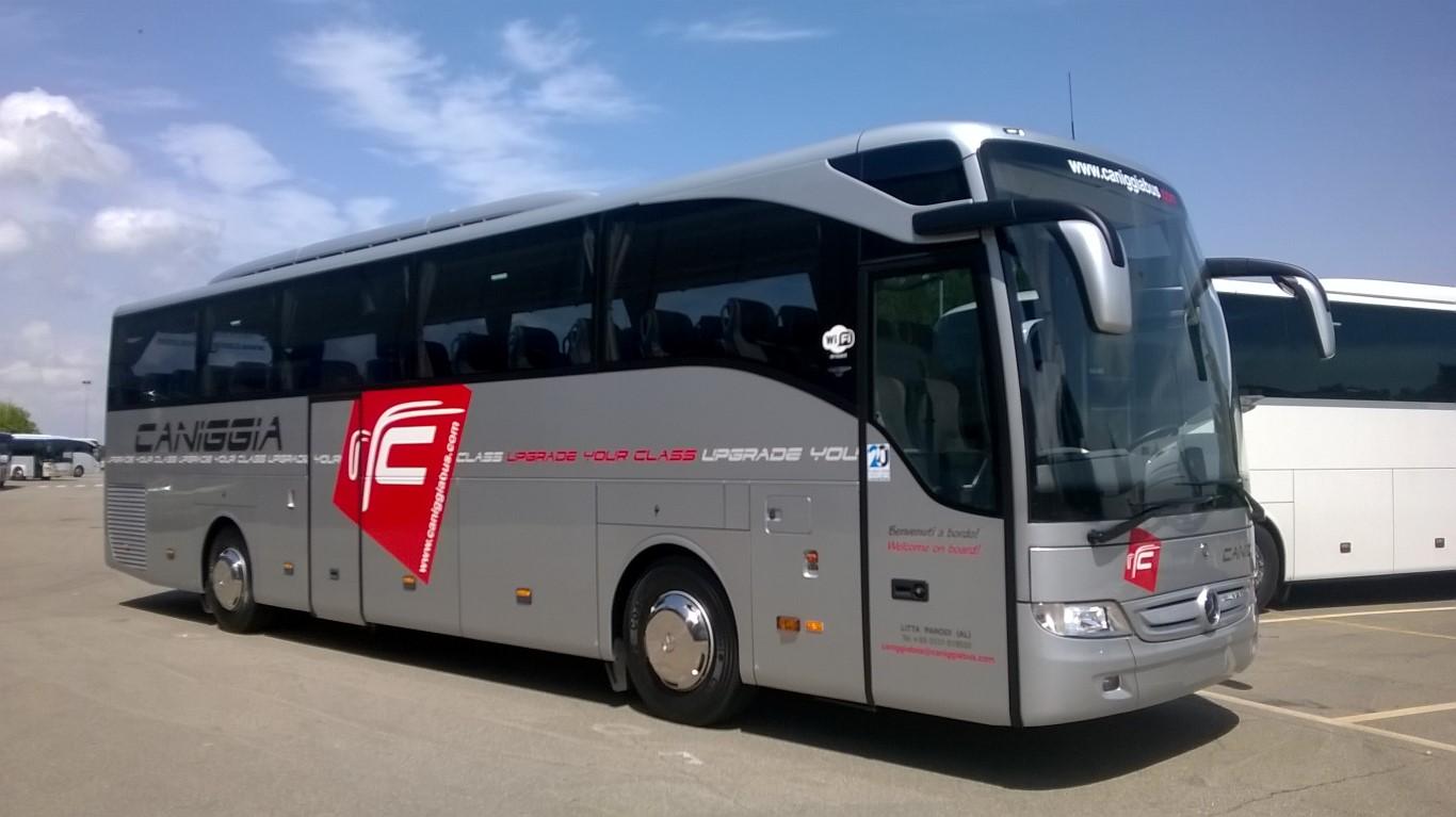 Il nuovo Tourismo sulla cui livrea metalizzata spicca il logo rosso Caniggia