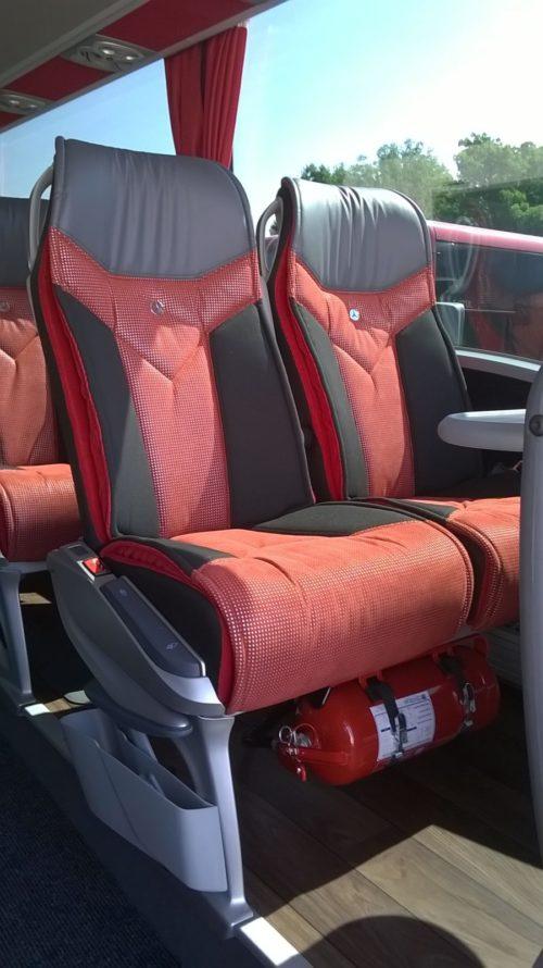 Un particolare degli interni: i sedili Lux Line.