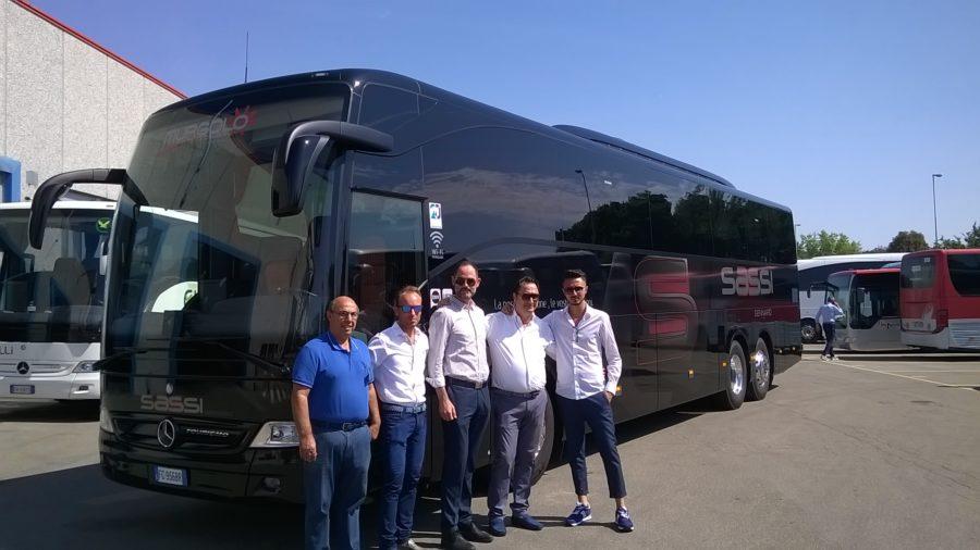 Martina Tour consegna Mercedes