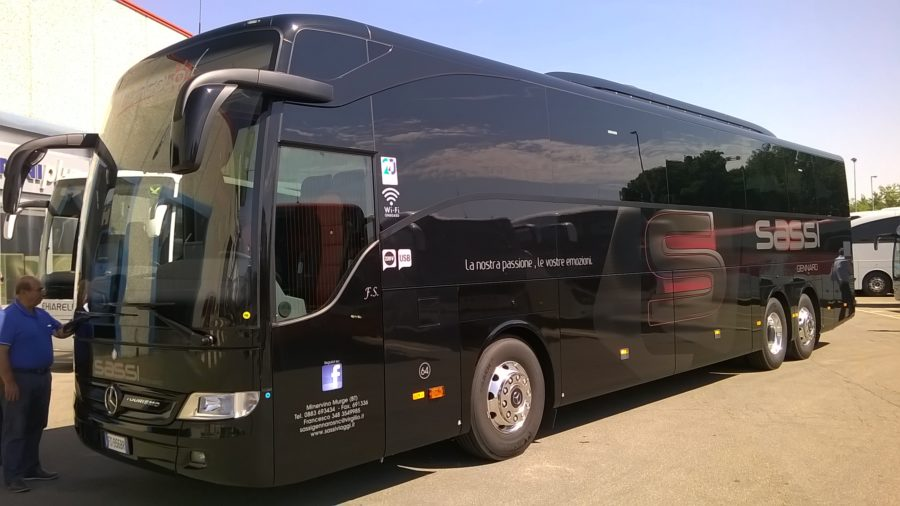 Consegna Mercedes a Martina Tour