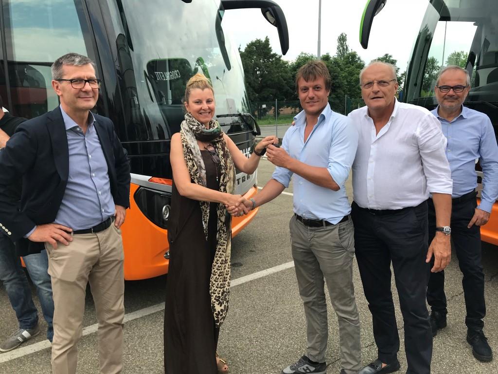 Customer_party_crognaletti consegna 2018 100° autobus da turismo