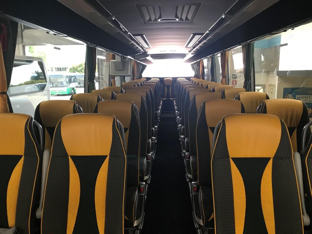 Consegna Setra 2018 a Ricci interno autobus