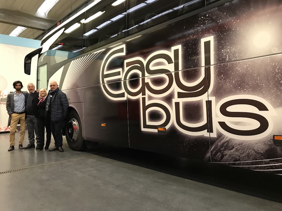 Consegna Mercedes-Benz 2019 a Easy Bus