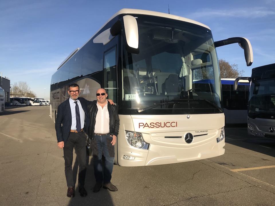 Consegna Mercedes_Benz Tourismo 2019 a Passucci