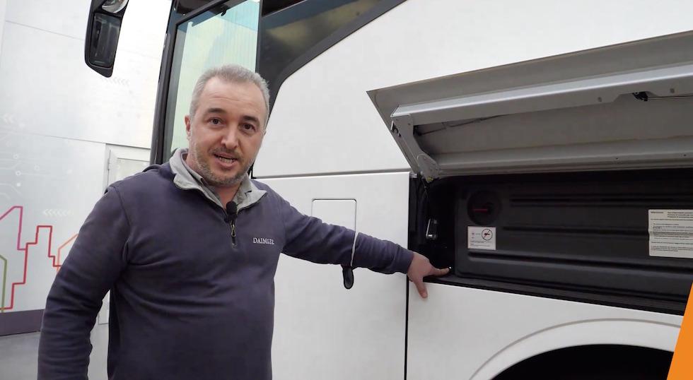 """Tutorial """"L'autobus da vicino"""" vano batterie"""