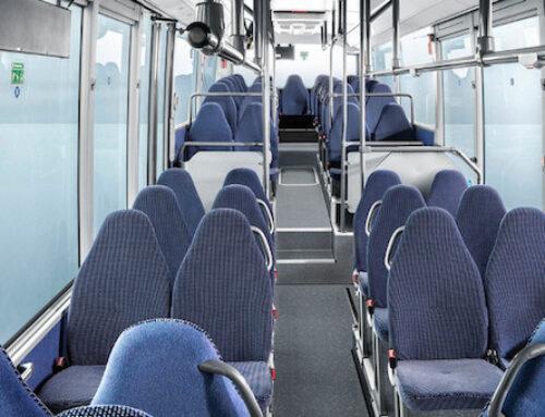 Disinfettare le superfici dell'autobus senza danneggiarle
