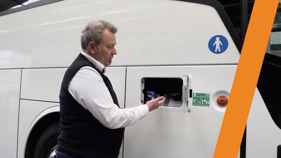 Tutorial L'autobus da Vicino: Serbatoio e Adblue